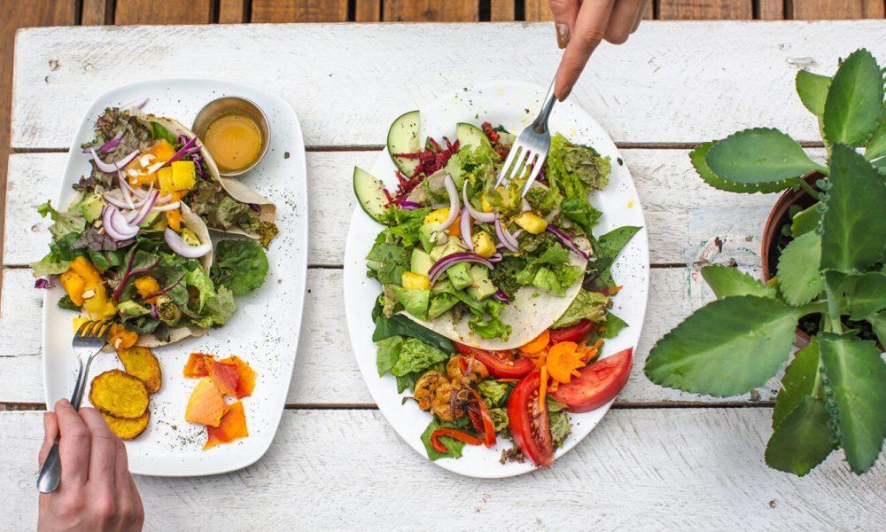 381848eb5bebd__Costa_Rica_La_Fortuna_Healthy_Food_Lunch_Salads_Overhead_Shot_-_2018_0W3A7124_Lg_RGB