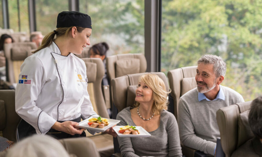 RM18_Onboard_SilverLeaf_Service_Culinary