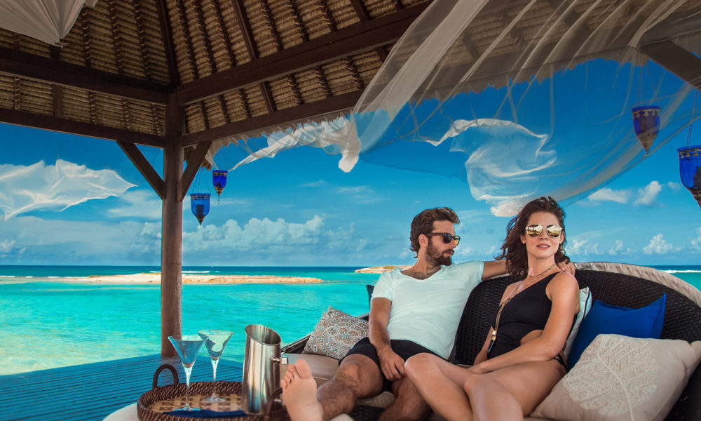 couple-on-resort